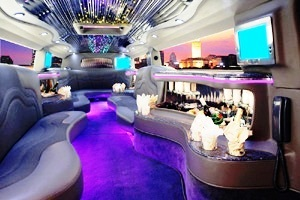 Interior H-2 STRETCH HUMMER Limo