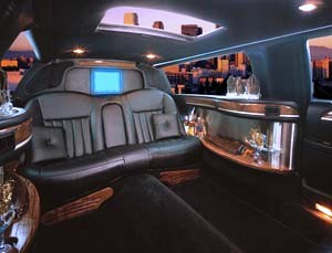 6 pass NYC stretch limos - interior